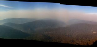 30 blue mountains fires from wynnes rocks mon
